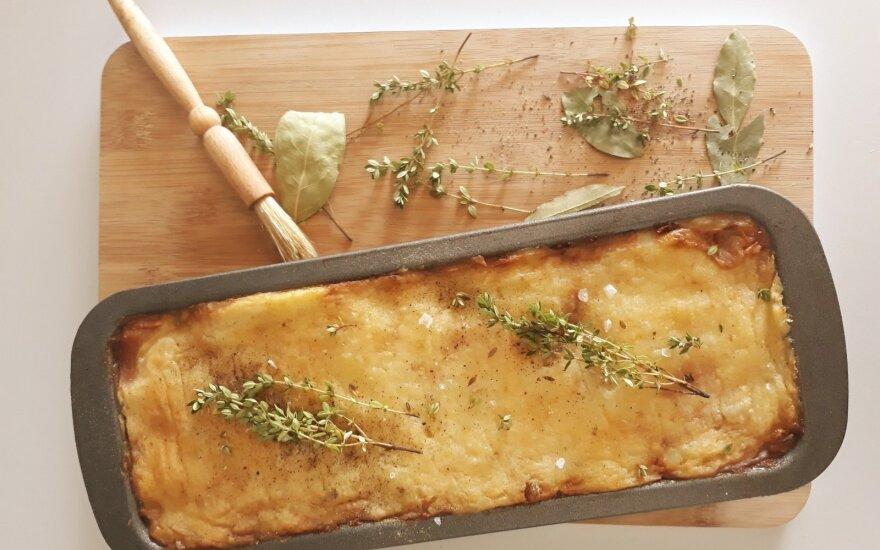 Vegetariškas pirmadienis: piemenėlių pyragas su pastarnokų ir bulvių koše