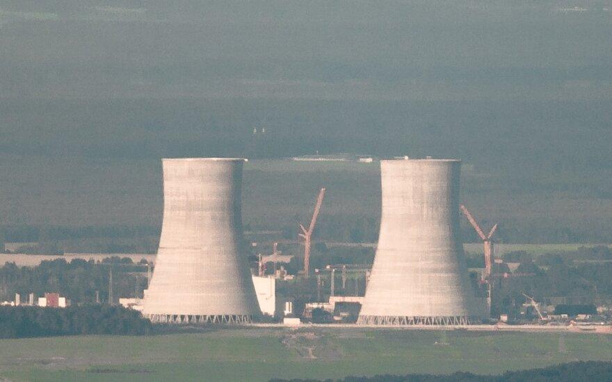 Į Astravo AE atgabentas antrojo reaktoriaus korpusas