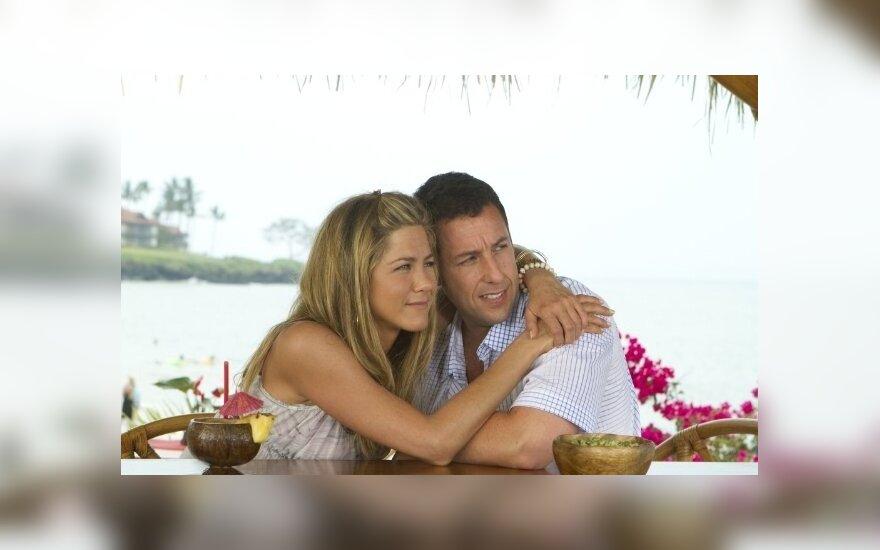 Jennifer Aniston ir Adamas Sandleris