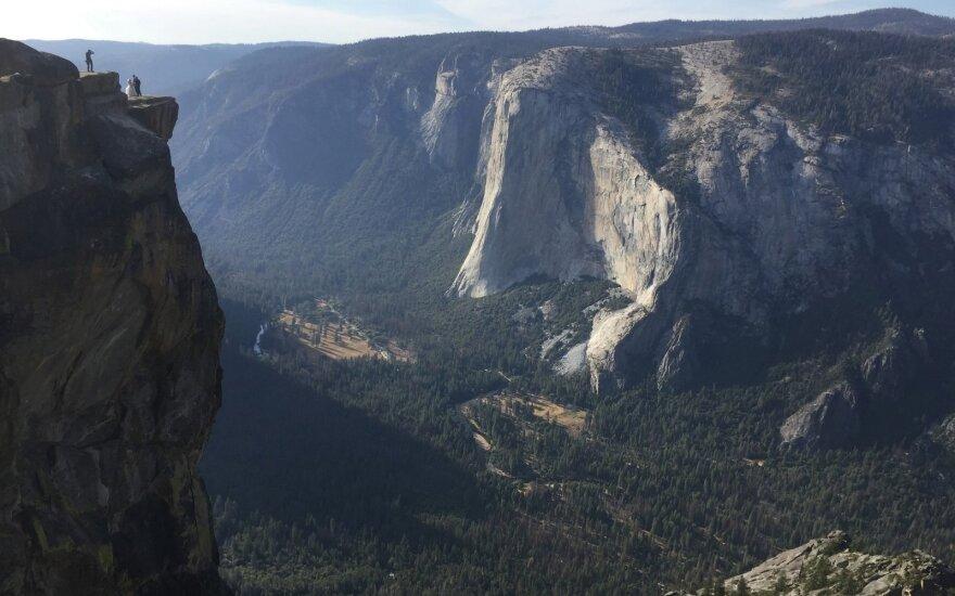 Nacionaliniame parke užsimušė nuo 245 metrų aukščio uolos nukritusi pora