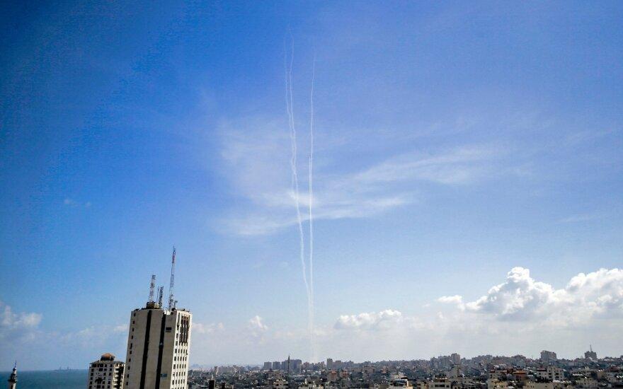 """""""Hamas"""" šaltinis: į jūrą paleistos raketos yra žinia Izraeliui"""