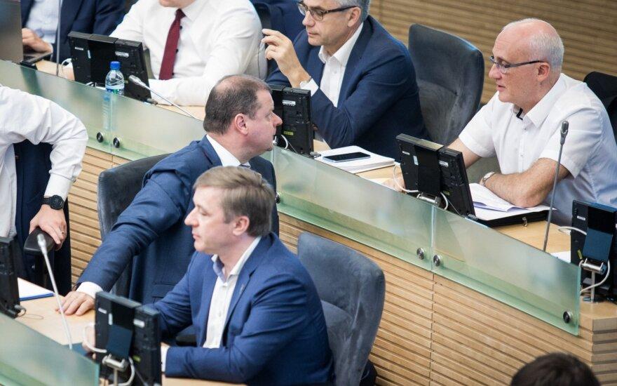 """Seimas pritarė """"Sodros"""" įmokų luboms"""