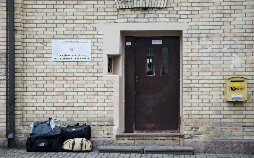 Į laisvę paleidžiamas klaipėdietis advokatas Aivaras Surblys