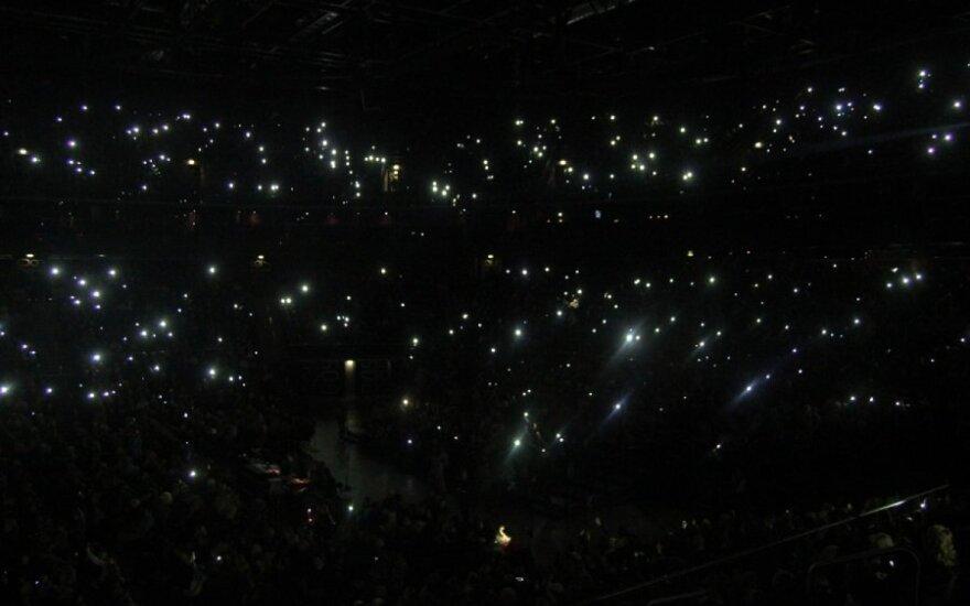 """Švęsti Valentino dieną <em>kitaip</em> susirinko pilna Kauno """"Žalgirio"""" arena"""