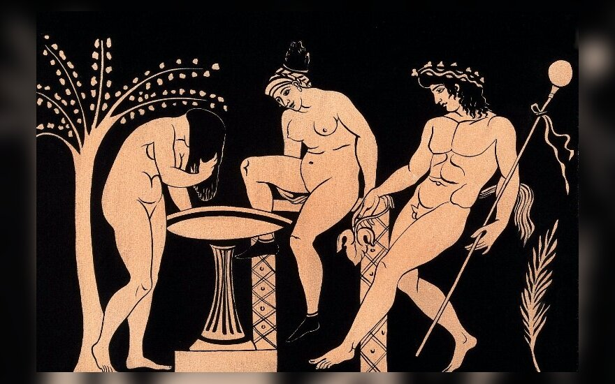 Moterys maudosi Satyro akivaizdoje