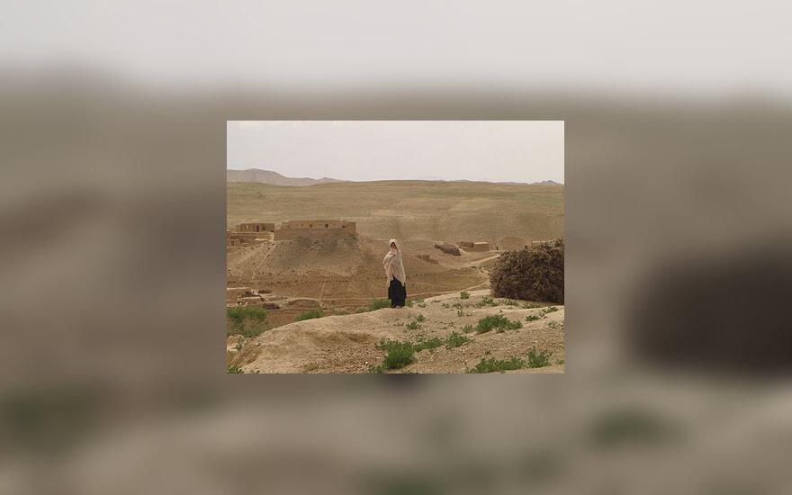 Mergaitė Afganistane