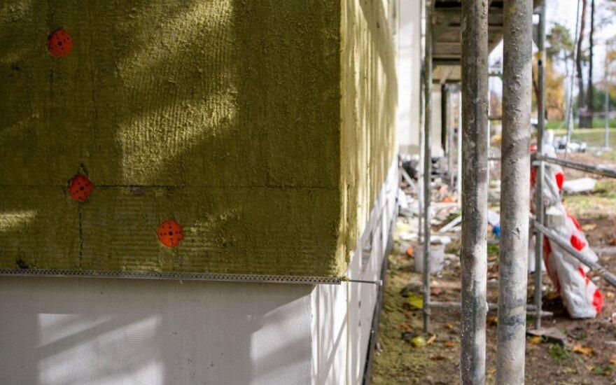 Fasado apšiltinimas yra svardi daugiabučio renovacijos dalis