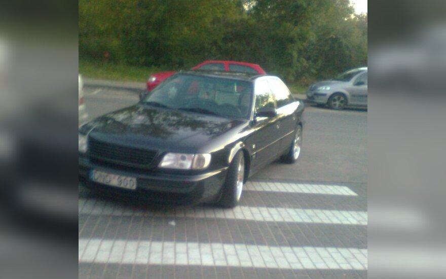 Vilniuje, Liepkalnio g. 112. 2010-09-21, 19.25 val.