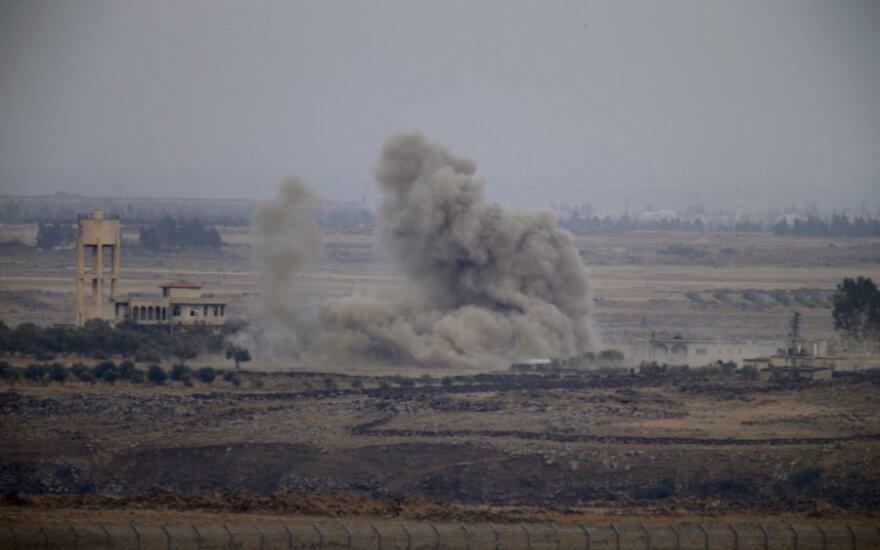 Stebėtojai: per spėjamus Izraelio antskrydžius Sirijoje trys kariškiai žuvo, 23 sužeisti