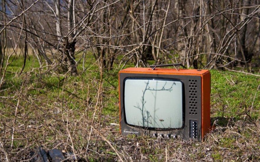 Elektroninių prietaisų gamintojai ir importuotojai atsakingi už tai, kad kuo mažiau jų gaminių vėliau mėtytųsi miške