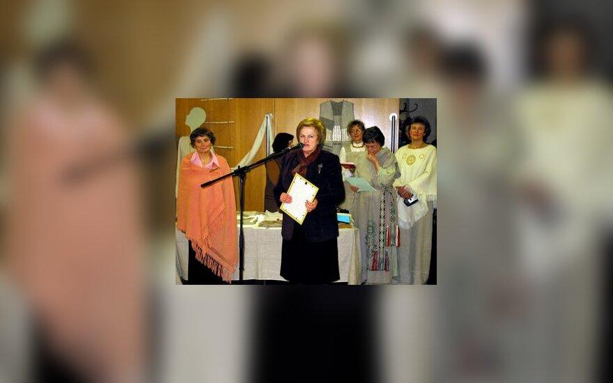 K.Prunskienė atidaro kaimo moterų amatų parodą