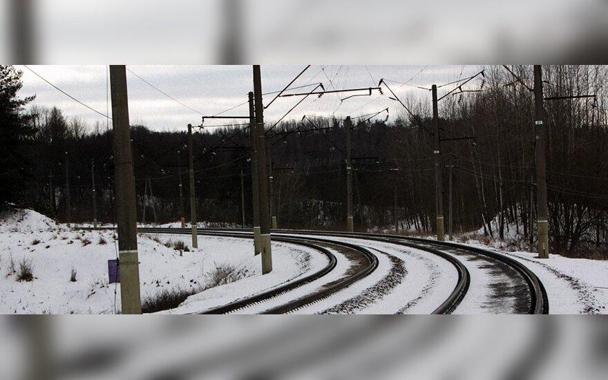 Vilniaus pakraštyje ant bėgių žuvo geležinkelio darbininkas
