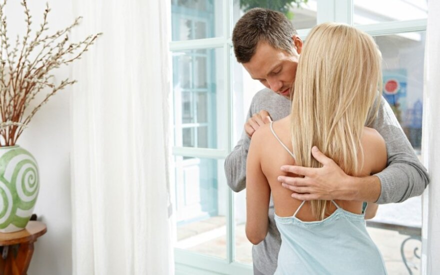 Po skyrybų vyrai patiria daugiau emocinio skausmo