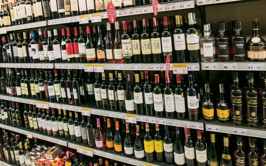 Seimas nusprendė, kiek alkoholis brangs kitais metais