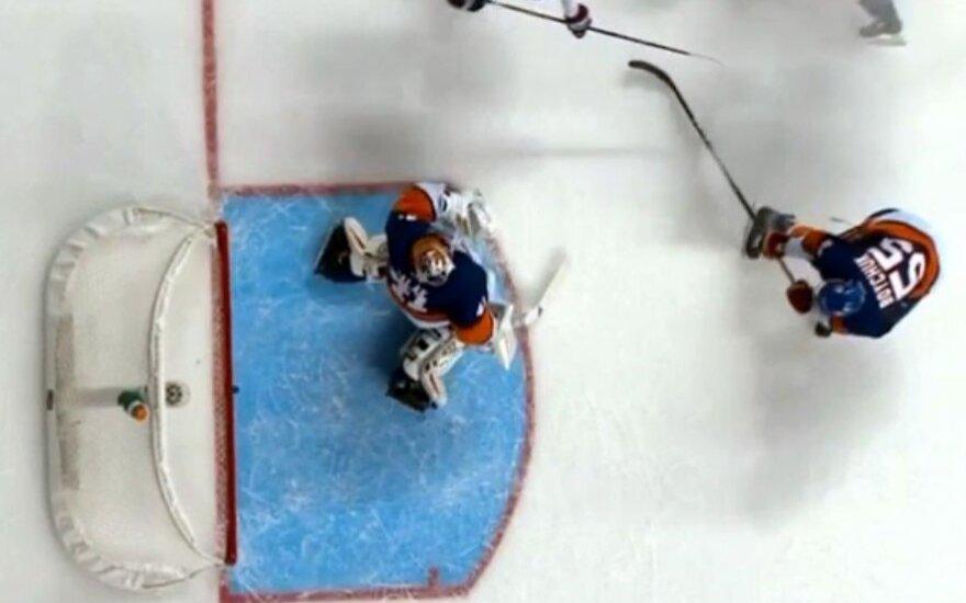 """NHL čempionate – žaibiški """"Lightning"""" įvarčiai per minutę"""