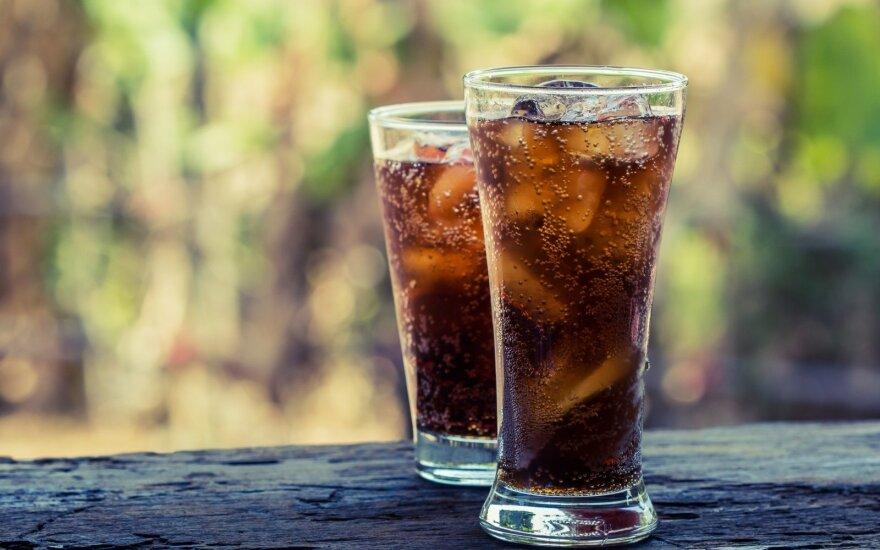 Mokslininkai teigia, kad dietiniai gėrimai kenkia