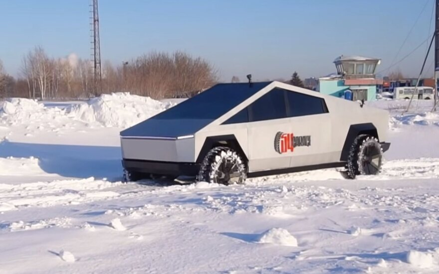 """Rusijos """"YouTube"""" laida """"54 Garažas"""" nusprendė pasigaminti savo """"Tesla Cybertruck"""""""
