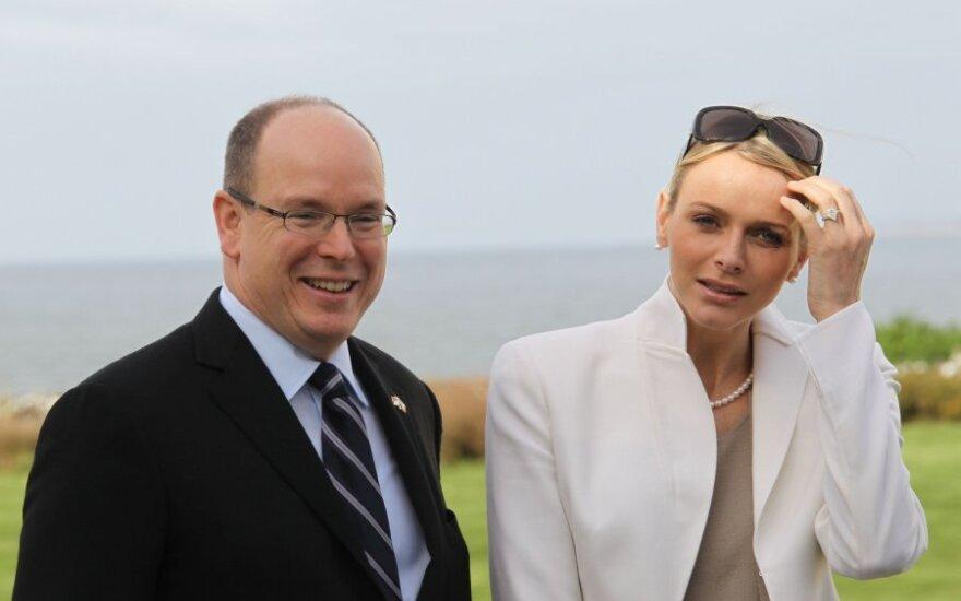 Monako kunigaikštis su žmona laimėjo bylą prieš britų bulvarinį laikraštį