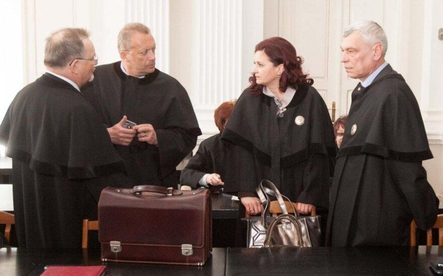 Advokatai privalės baigti daugiau mokslų
