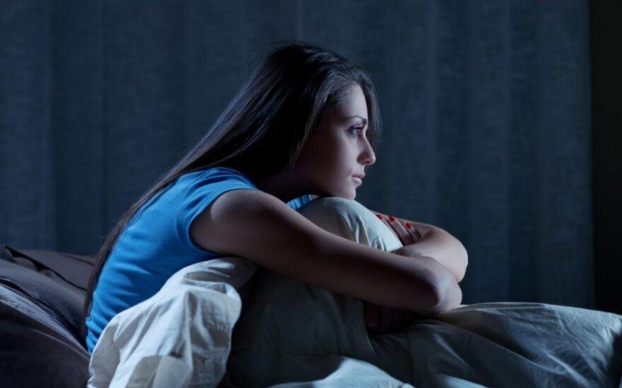 Nemigos naktys: į namus vedėsi šunis, vaikiną ir lunatikuojantį brolį