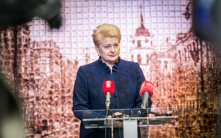 D. Grybauskaitė: PVM mažinimas dovanoja pelnus prekybos tinklams