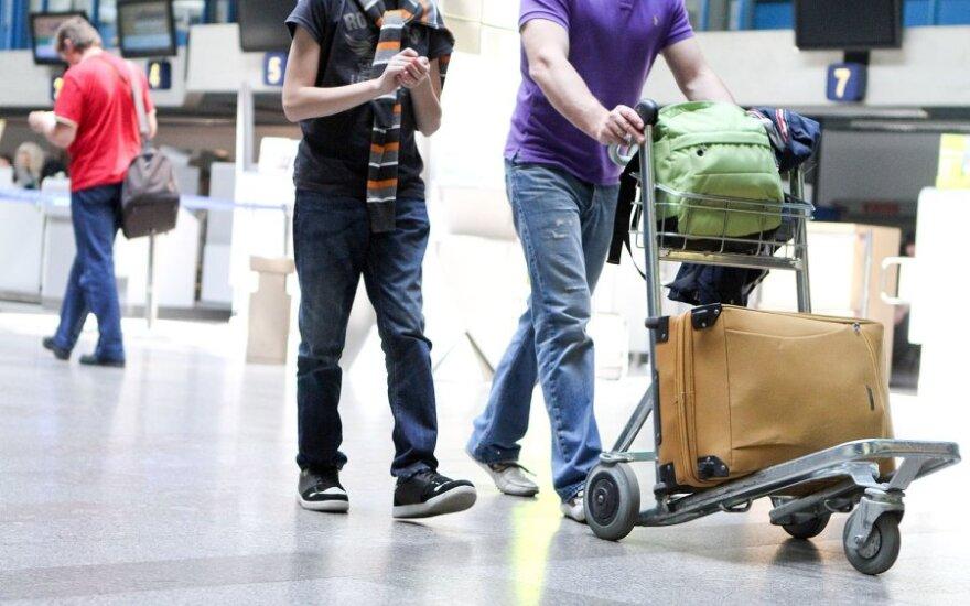 Beveik 6 proc. lietuvių planuoja netrukus emigruoti, 35 proc. apie tai susimąsto