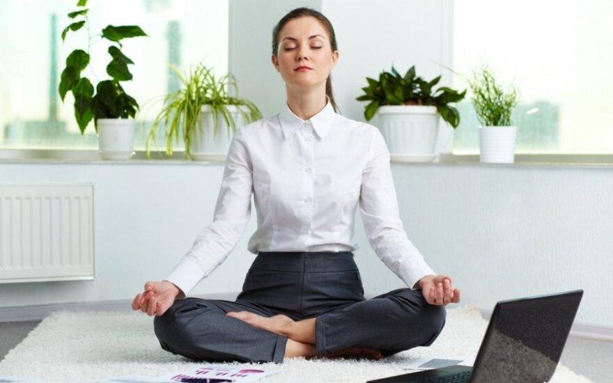 Meditacija gali padėti sumažinti stresą darbe