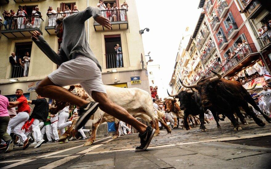 Pamplonoje antrą San Fermino festivalio dieną buliai subadė nepilnametį