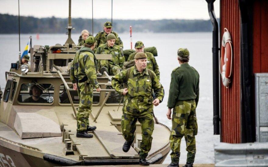 Švedija tęsia užsienio povandeninio laivo paieškos operaciją