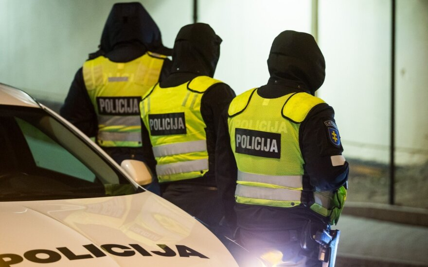 Druskininkuose prie sustabdyto automobilio vairo – neblaivus policijos pareigūnas
