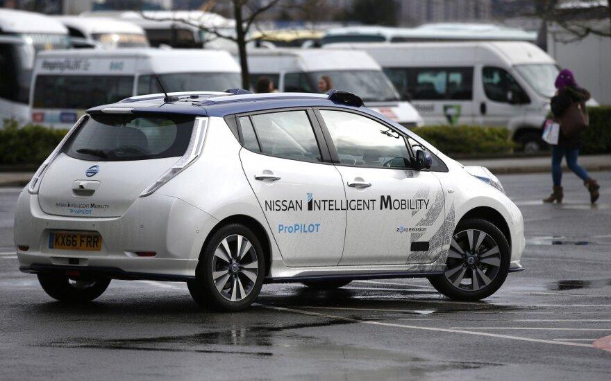 """Pirmoji Europoje šią savaitę autonomišką automobilį Londone išbandė """"Nissan"""". Dabar visi norintys galės tai padaryti Estijoje"""