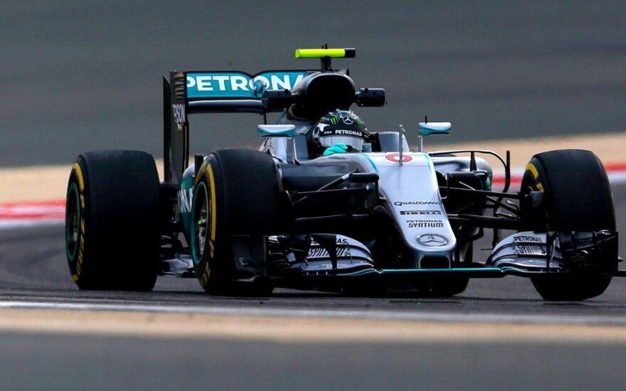 """Bahreino treniruotėse – visiškas """"Mercedes"""" dominavimas"""