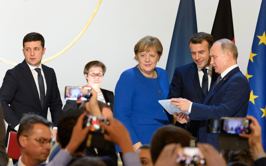 Volodymyras Zelenskis, Angela Merkel, Emmanuelis Macronas, Vladimiras Putinas