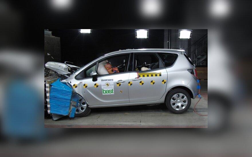 "Opel Meriva ""Euro NCAP"" bandymuose"