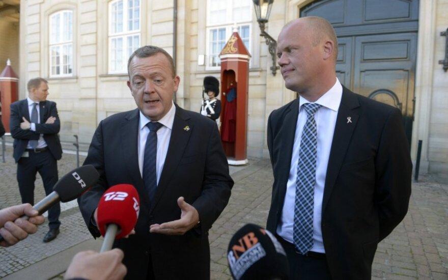 Larsas Loekke Rasmussenas, Peteris Christensenas