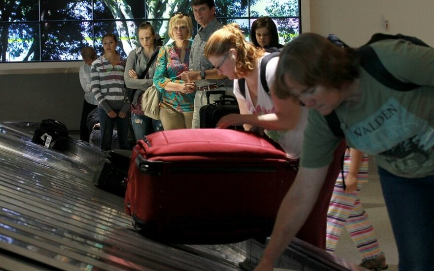 Pašalpų rojus lietuvių emigrantams virsta pragaru