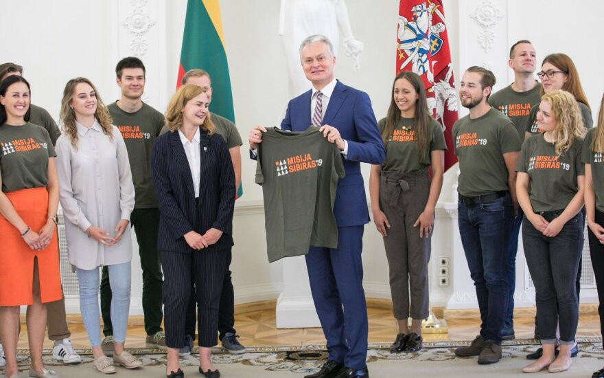 """Nausėda susitiko su """"Misija Sibiras'19"""" komanda"""