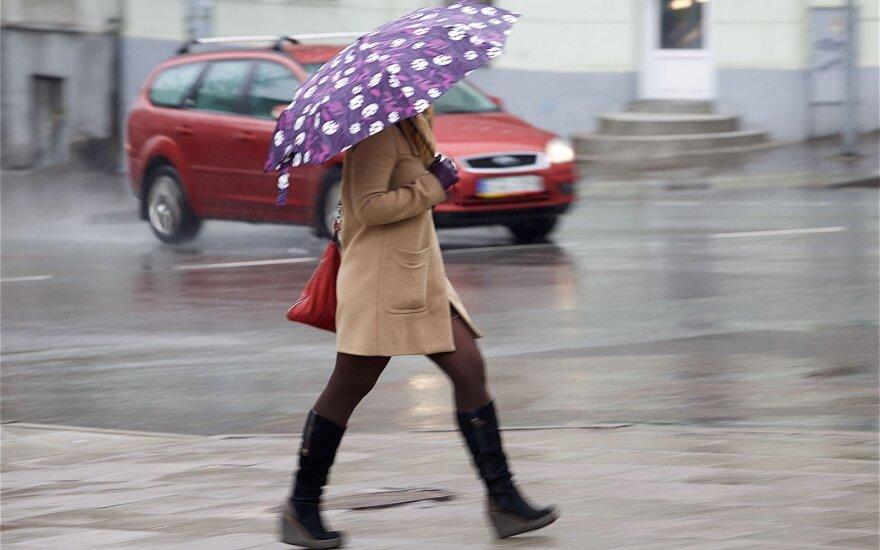 Orai: naujas ciklonas atneš eilinę kritulių bangą