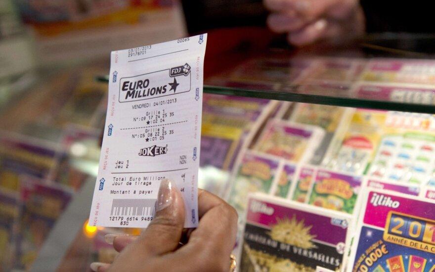 Neįtikėtina istorija: milijonų vertės loterijos bilietas – suplėšytas ir išmestas