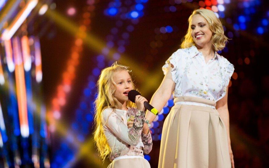 Dainė Baumilė su dukra Smilte