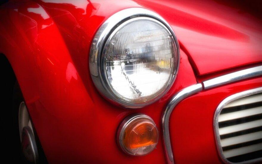 Kaip vairuotojai patys gali susireguliuoti automobilio žibintus