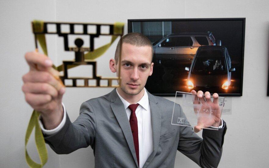 "Konkurse ""Lietuvos spaudos fotografija 2019"" – du apdovanojimai DELFI fotografui Domantui Pipui"
