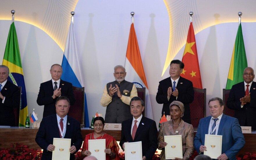 Rusija atšaukė rugsėjį turėjusį įvykti Rytų ekonomikos forumą