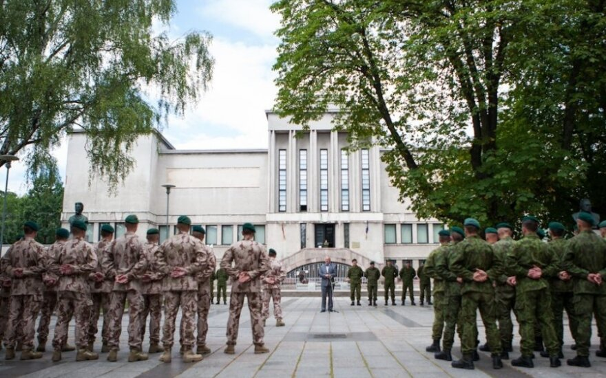 How long could Lithuania resist open military aggression?