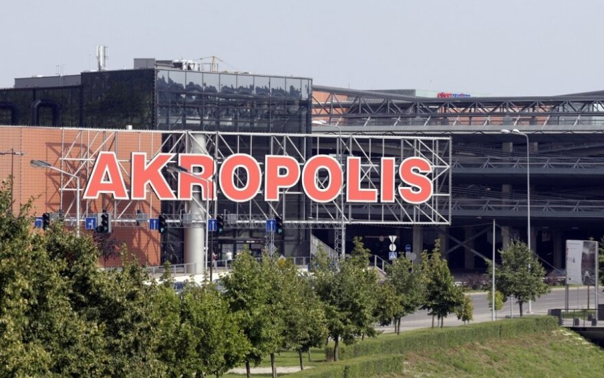 """Pasklidus dūmams iš Kauno """"Akropolio"""" evakuoti žmonės"""