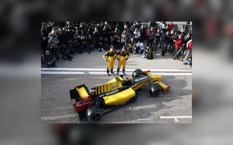 """""""Renault"""" bolidas ir pilotai R.Kubica bei V.Petrovas"""