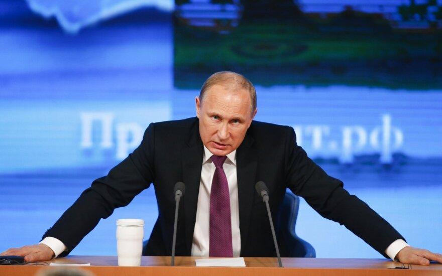 Putinas sukėlė politinę audrą: siūlo kontroversiškas konstitucijos pataisas