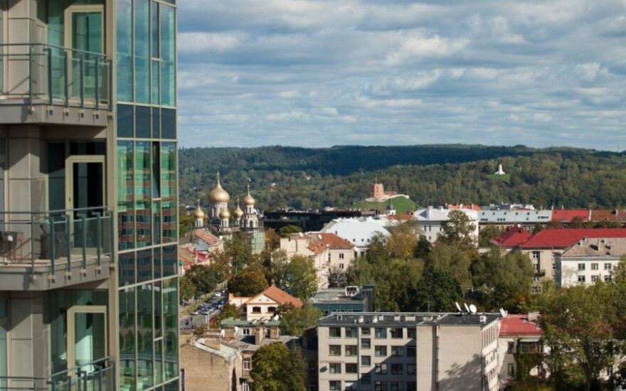 Lithuanian banks lower expectations for real estate price rise