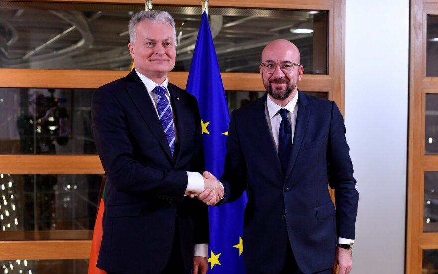 Derybos dėl ES pinigų: po vakarienės Briuselyje Nausėda sotus neliko