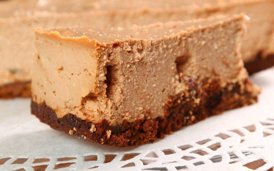 Skanus ir paprastas nekeptas šokoladinis pyragas